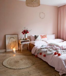 Image showing bedroom with Feng Shui principles from @wunderblumen