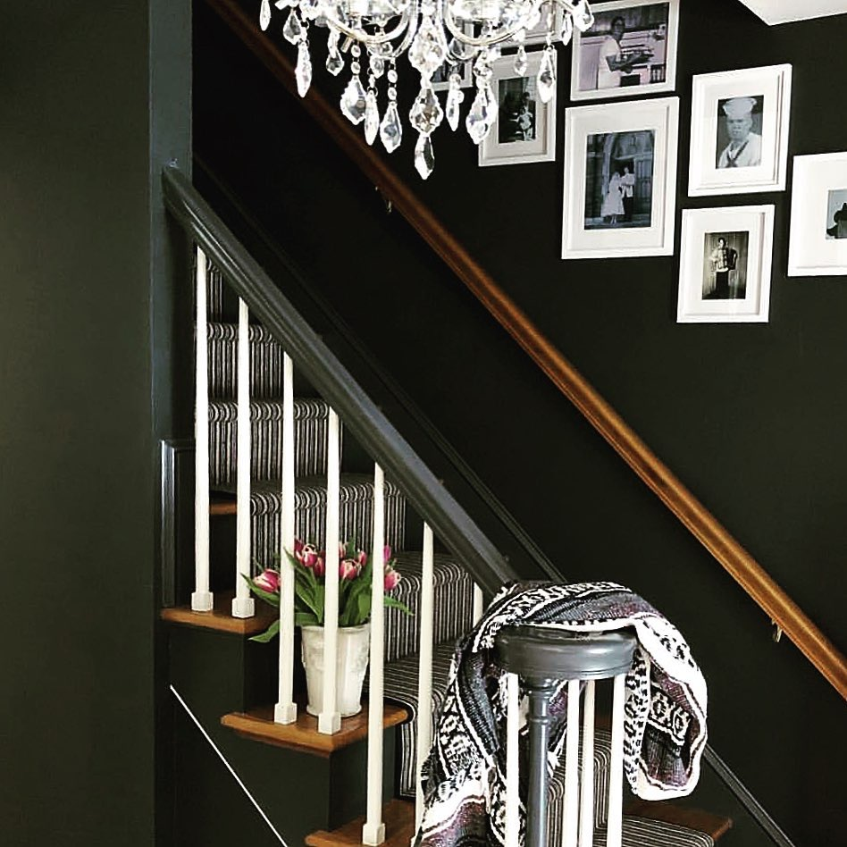 Image of dark walls in a hallway by @kathstyleliving