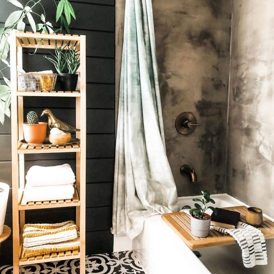 Image of a spa-inspired bathroom by @these_spaces_between