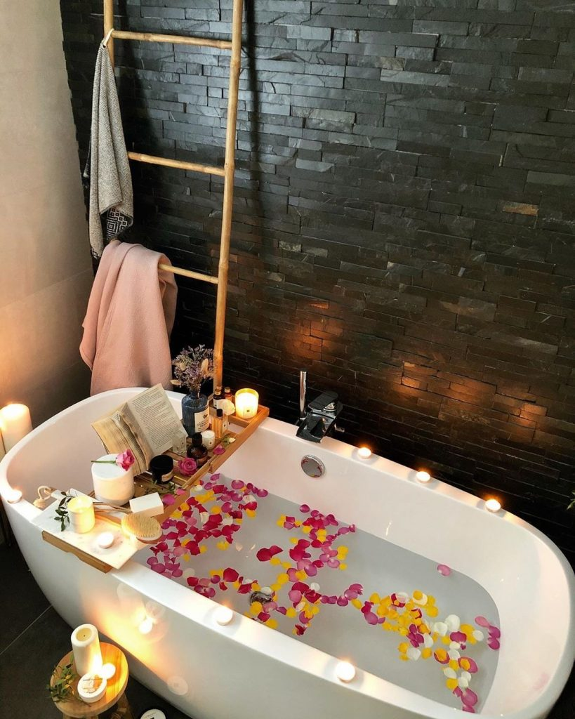 Image of a spa-inspired bathroom by @she_rocks_her_home