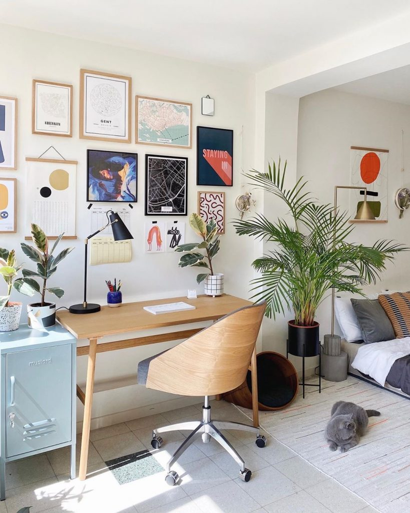 Image of a home office by @nelplant