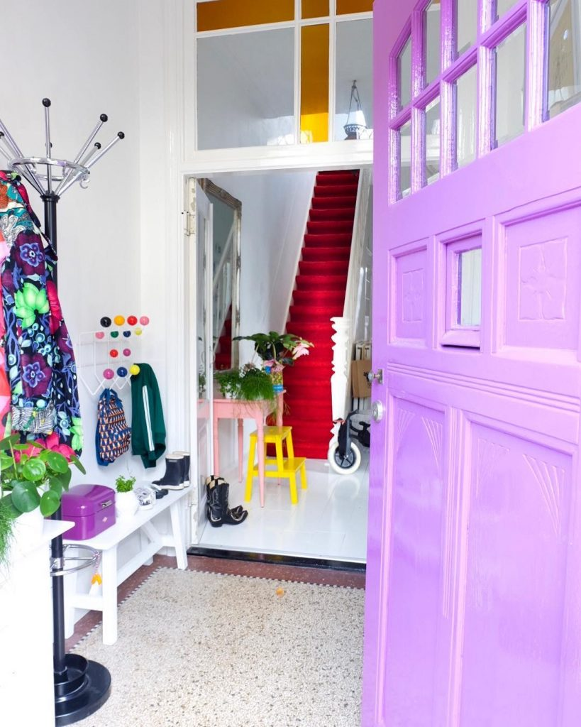 Image of the entrance hall of @beapopofcolour
