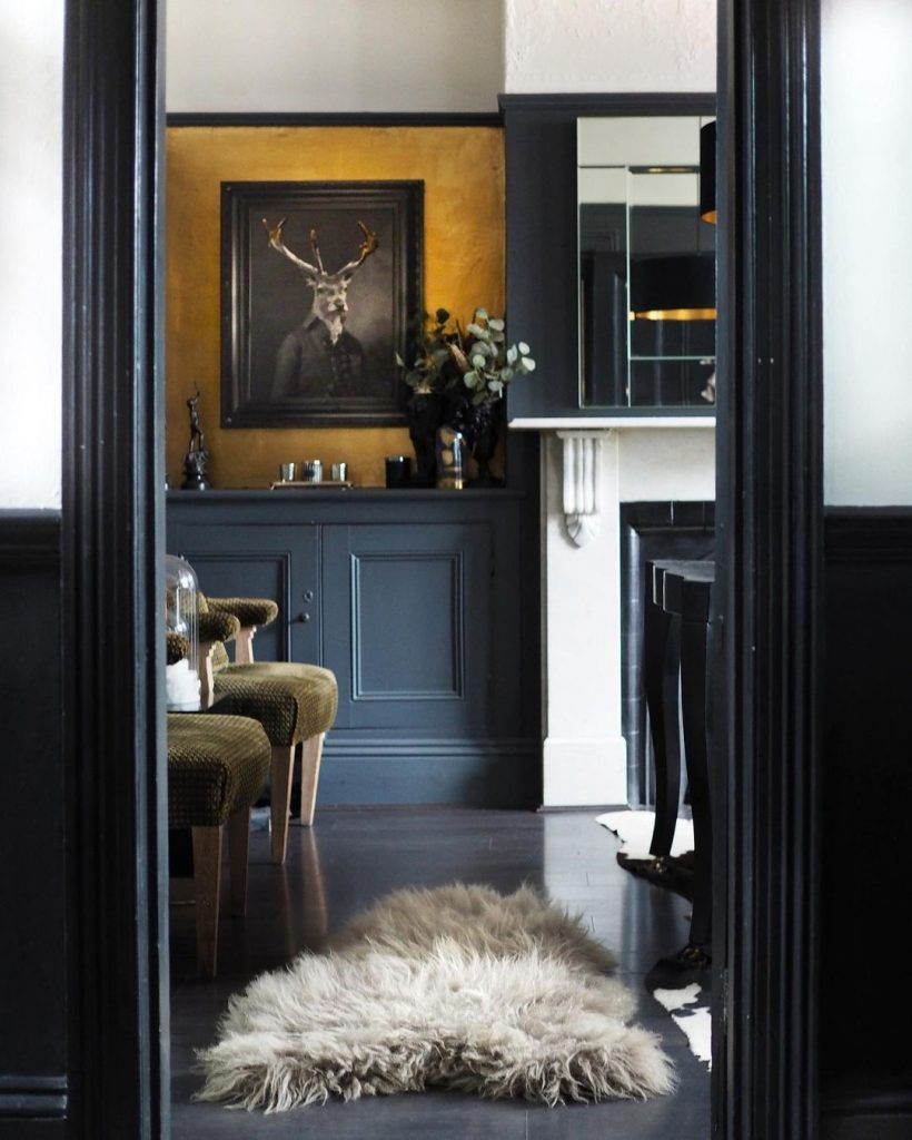 Image of a beautiful interior by @raspberry_flavoured_windows