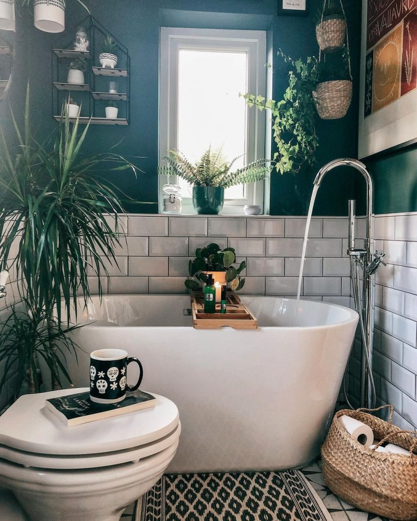 Image of a bathroom by @ahousetomakeourhome