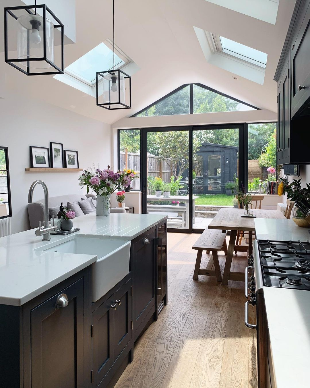 Image of worktops in the kitchen of @thelittleterracedhouse