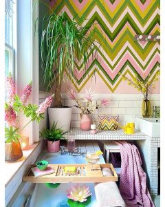 Image of the colourful home of @annalysejacobs