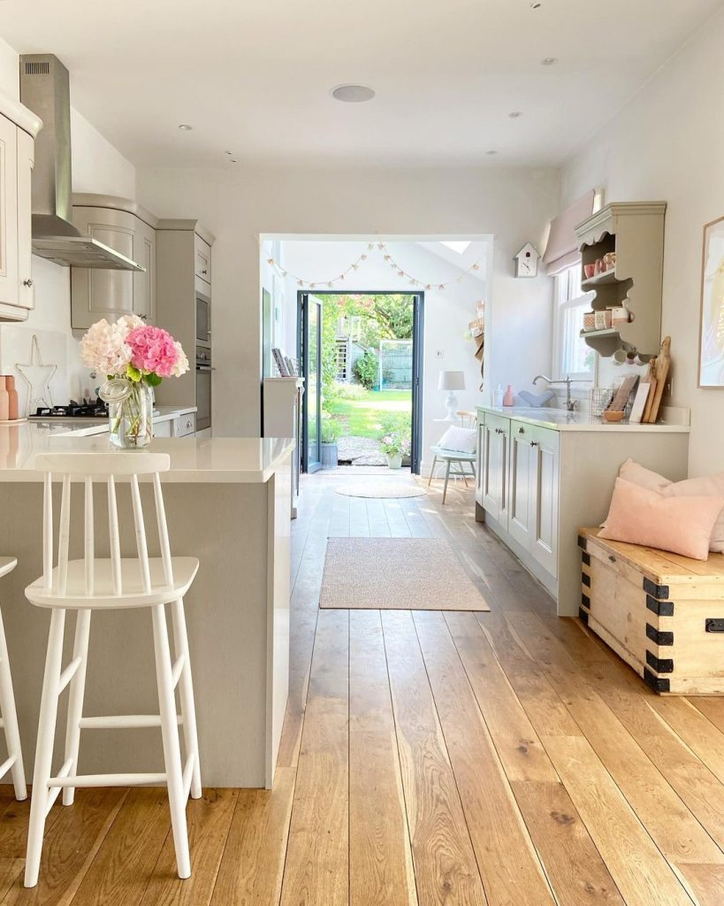 Image of the kitchen of @home_with_rose