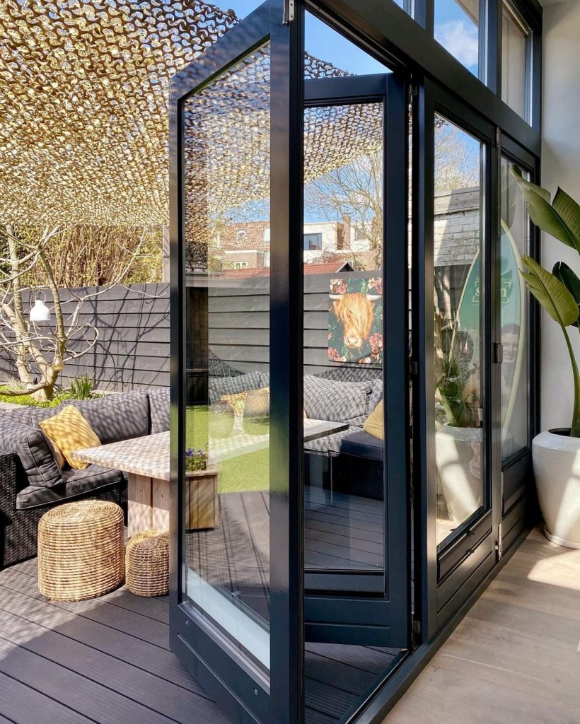Image of bi-fold patio doors in the home of @whisperingbold