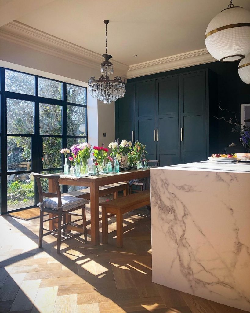 Image of steel-framed patio doors in the home of @the_idle_hands