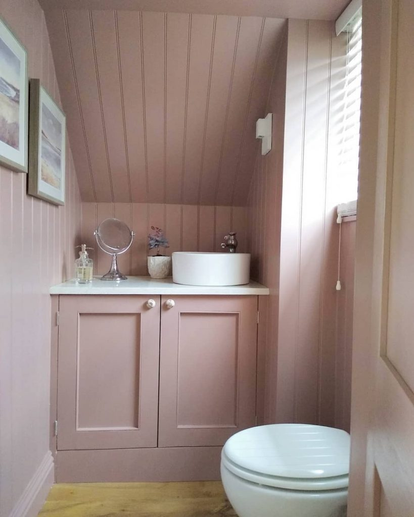 Image of a cloakroom by @ellershaw_property_renovation